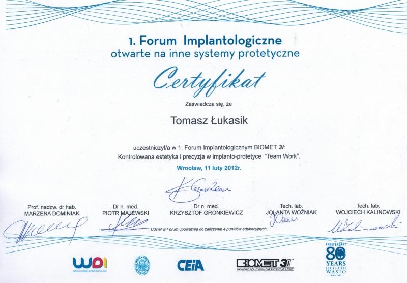 Tomasz-Lukasik-implanty-2
