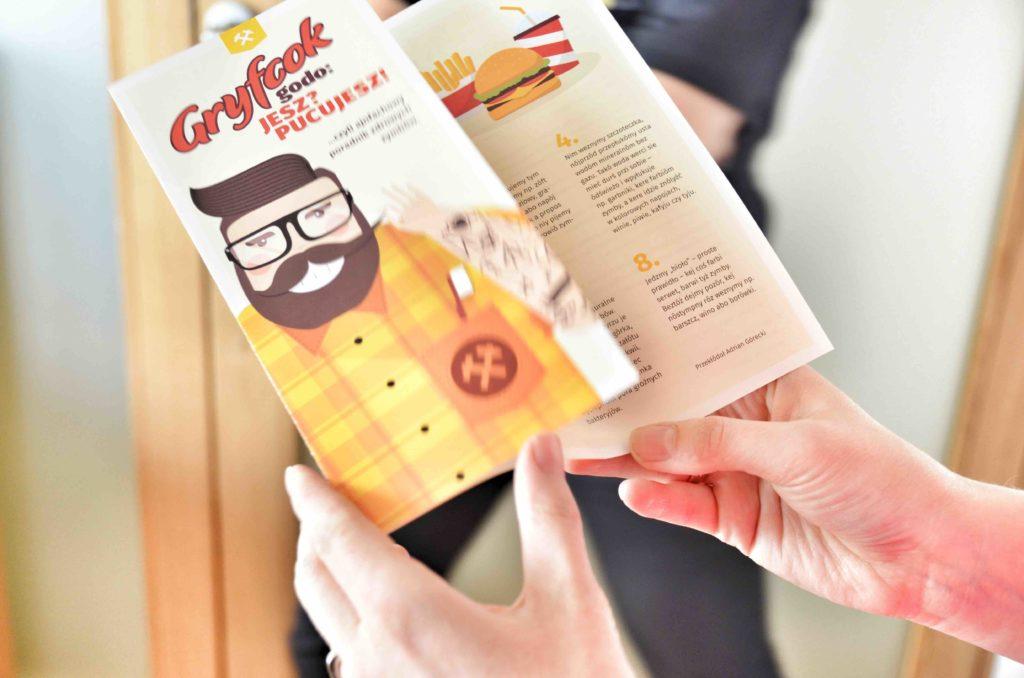 Animowana postac Gryfcoka uczy po slasku jak dbac o zeby w Dentim Clinic
