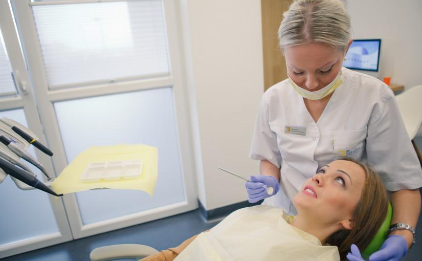 Zadbaj oswoje zęby, usuń kamień nazębny.