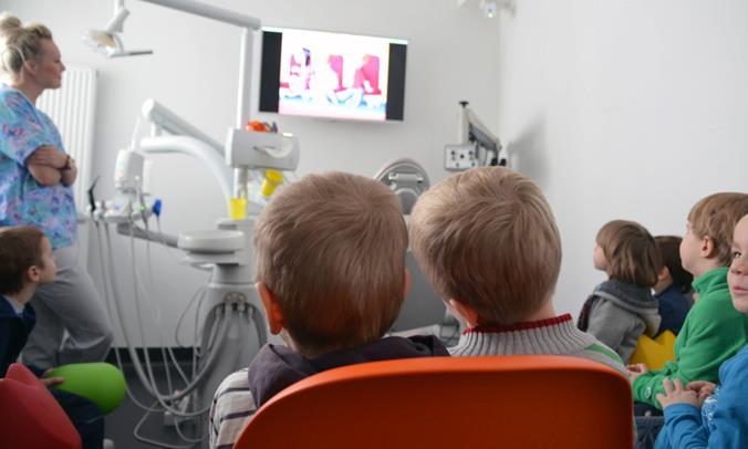 2011 - Przeprowadzamy akcję 'Superbohaterowie' mającej zachęcić młodych Pacjentów do wizyty u dentysty