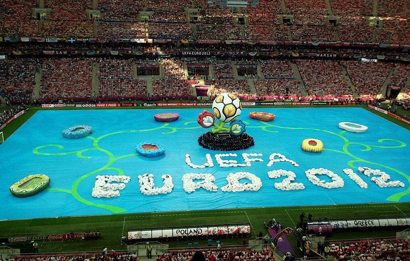 2012 - Polska razem z Ukrainą organizuje Mistrzostwa Europy w piłce nożnej