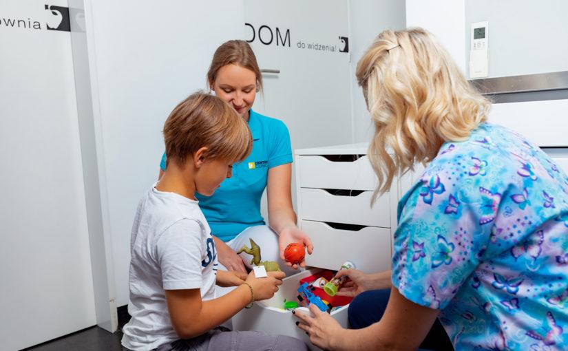 Wywiad zekspertem – Jak może wyglądać pierwsza wizyta dziecka udentysty?