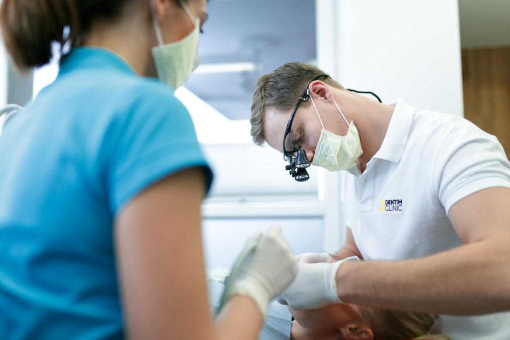Dentim Clinic - leczenie paradontozy