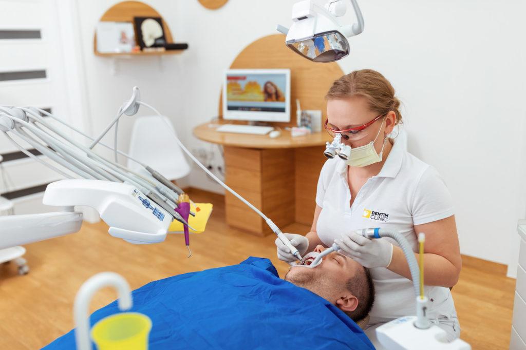 Dentim Clinic - wybileanie zębów