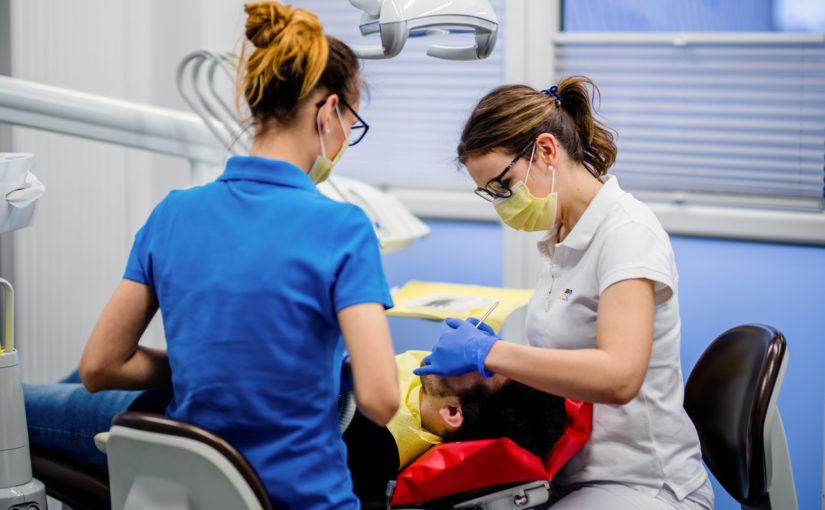 Dentim Clinic - protezy mocowane na implantach